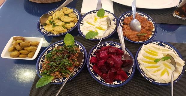 Londra'da Restorantlara Meze ve Tatlı Servisleri Yapılır