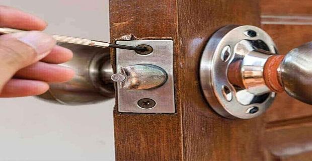 Londra'da Anahtarcı Locksmithing Service