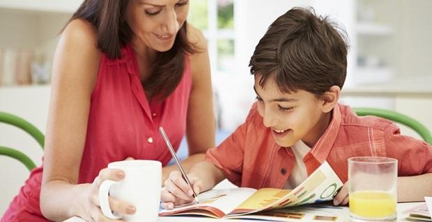 Öğrencilere akademik konularda, sınav ve yazılı ödevleri için destek verilir.