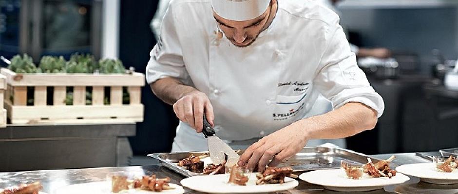 Kebab ve Fish and Chipsten anlayan eleman aranıyor! Şef aranıyor!