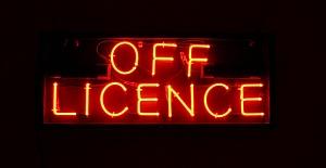 Yüksek gelirli, post office den geliri olan satılık market-off licence
