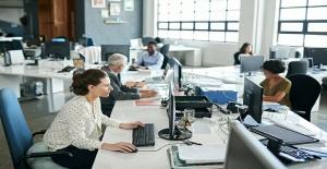 Londra'da Ofiste Çalışacak Elemanlar