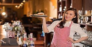 Londra'da Cafe'de Çalışacak Bayan Garson