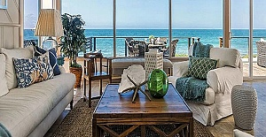 Güre'de Denize Sıfır Sitede Satılık Villalar
