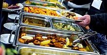 Yemek yapım ve hazırlık hizmeti verilir