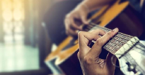 Classical Guitarist, Private Guitar Tutor and Concert Artist