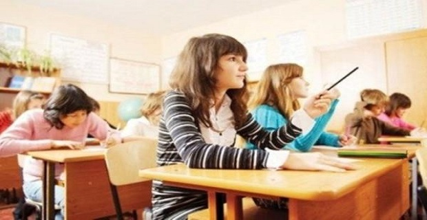 Türk öğretmenden ücretsiz online fen dersleri